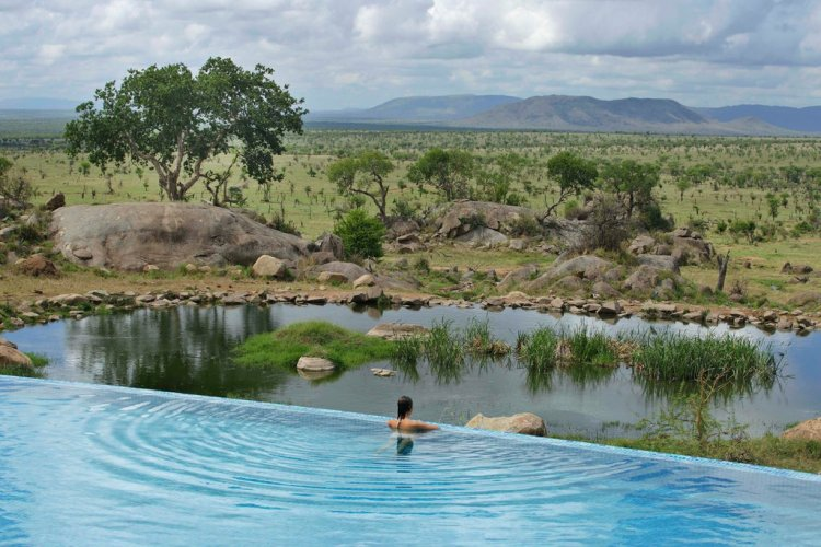 7 of the most incredible infinity pools around the world